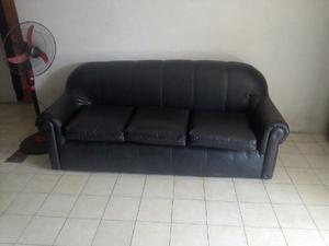 Muebles Negros De Semi Cuero Acabados De Tapizar