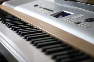 Piano teclado yamaha portable grand dgx 505 posot class for Yamaha dgx 200 portable grand keyboard