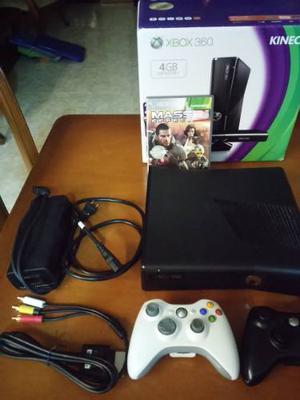 Xbox 360 Slim 4gb Con Juegos Y Dos Controles.