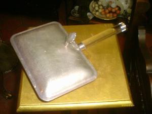 Envase Con Tapa De Silver Plated Mango De Acrilico Con Patas