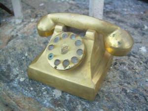 Figura De Bronce Telefono Antiguo En Buen Estado