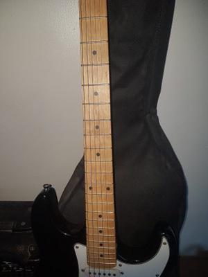 Guitarra Con Amplificador