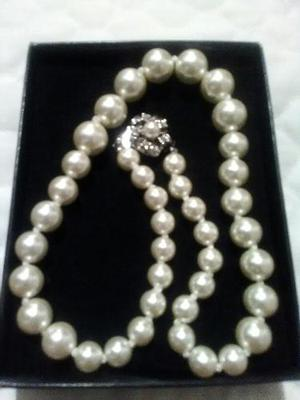 Bello Collar De Perlas Semipreciosas