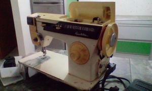 Maquina De Coser Singer Facilita 875. Vendo Por No Usar.