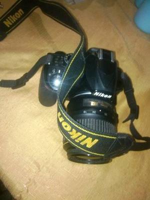 Cámara Nikon Modelo D, Con Trípode Y Memoria De 8 Gb
