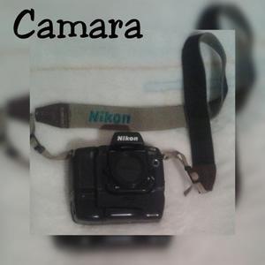 Camara Nikon De Rollo En Buen Estado