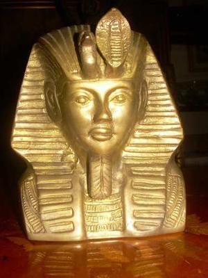 Escultura De Bronce Esfinge Del Faraon En Buen Estado