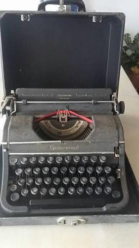 Maquina De Escribir Antigua Marca Underwood