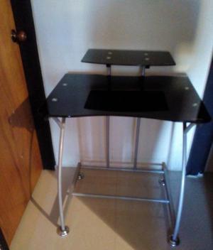 Mesa para Computadora con topes de vidrio templado