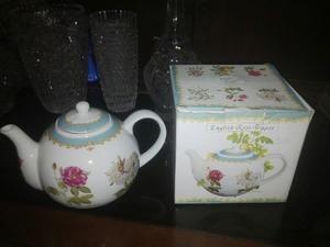 Tetera De Porcelana Marca English Rose Teapot Con Dibujo De