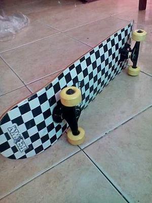 Patineta Skateboard Marca Krown + Casco Rodilleras Y Coderas