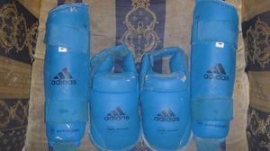 Canilleras Con Zapatillas De Karate, (adidas) Wkf