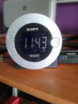 Sony Reloj Despertador, Corneta, Radio, Ipod, Celular Musica