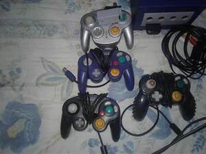 Nintendo Game Cube Con 4 Controles