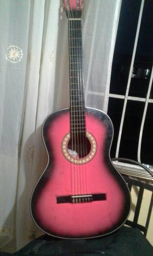 Guitarra Clásica Acústica Con Su Estuche O Forro