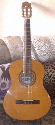 Guitarra Jacob`s En Excelente Estado Con Su Estuche De Lona