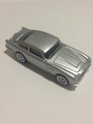 Carrito Hot Wheels Aston Martin  Db5