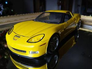 Carro De Coleccion Corvette Z06 Escala 1/18