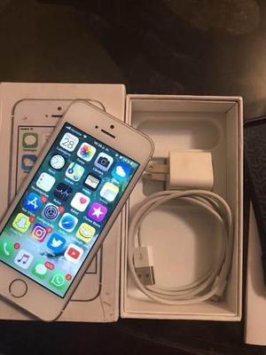 Iphone 5s Impecable Libre De Icloud En Su Caja Y Accesorios