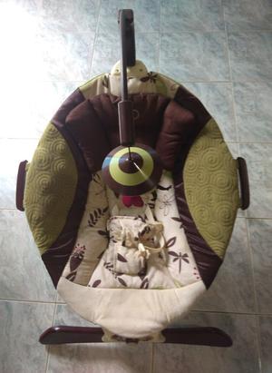 Mecedora silla de bebe automatica con musica posot class for Silla mecedora graco 6 velocidades