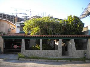 Se Vende Casa en Urb. El Bosque Valencia de 300mtrs2