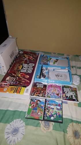 Nintendo Wii + 5 Juegos + Guitarra