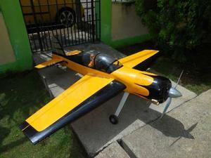 Avión Yak 54