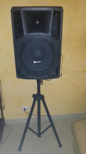 Corneta Amplificadora Con Bluetooth Incluye Tripode