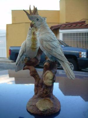 Figura De Porcelana Marca Capodimonte Pareja De Cacatuas