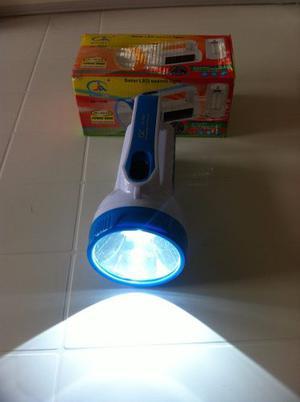 Linterna Led Recargable Con Electricidad Y Luz Solar