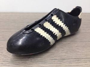 Zapato De Fútbol adidas En Miniatura Vintage Coleccionable