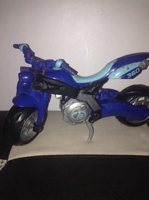 Moto Max Steel (usada)