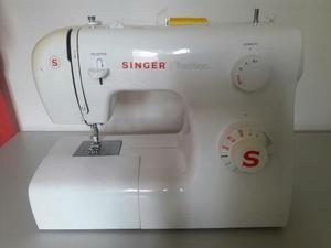 Maquina De Coser Singer Casera