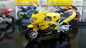 Coleccion Moto Honda C B R 600 F4 Escala 1/18 Maisto