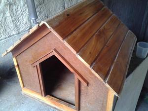 Vendo para perros casita de madera posot class for Vendo casita de madera para jardin