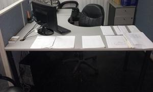 Puesto De Trabajo Escritorio De Oficina Y Paredes