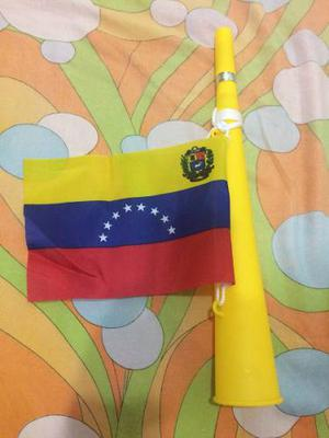 Trompeta Con Bandera De Venezuela