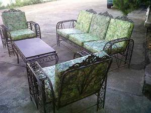 Muebles de jardin de hierro forjado con cojines posot class for Muebles de jardin de hierro forjado