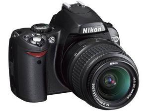 Cámara Profesional Nikon D-40 Con Accesorios