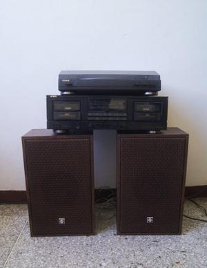 Tocadiscos,caset O Cassette Y Radio Marca: Aiwa Con Cornetas