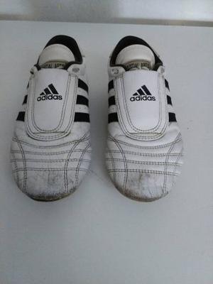 Zapatillas adidas De Taekwondo Originales. Talla 38