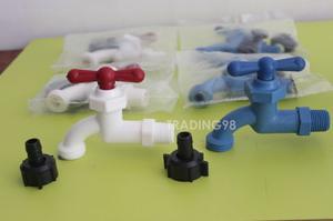 Llave De Chorro1/2 Plasticas Con Pico Blancas Y Azules