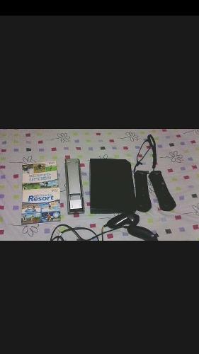 Vendo Nintedo Wii Con 2 Juegos Y 4 Controles