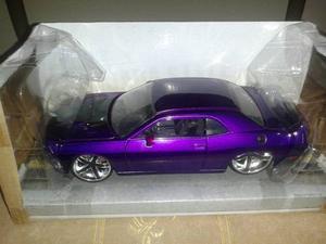Dodge Challenger  Escala 1/24 Colección Jada En Caja