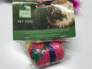 Juguete Gato Barril Mecate Y Plumas Animal Planet 6 Cms