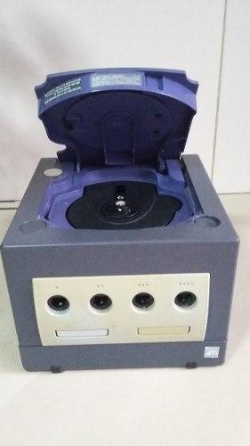 Nintendo Gamecube En Excelentes Condiciones, Con Tres Mandos
