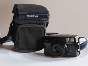 Camara Olympus Infinity Zoom 210 Quartz Date 35mm + Bolso