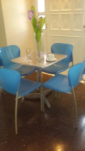 Combo Cuatro Sillas Y Mesa De Aluminio Para Cafeteria