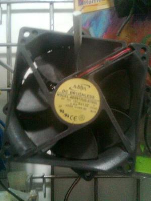 Extractor De Calor Para Case O Equipo De Sonido 12v 8x8 9x9