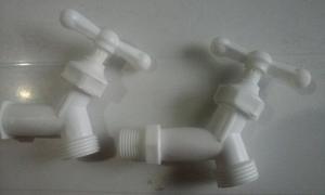 Llave O Grifo De Agua O Chorro Plastica De 1/2 Desarmable